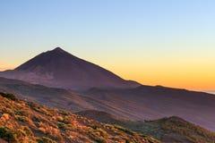 Ηλιοβασίλεμα πέρα από το ηφαίστειο Teide, Tenerife Στοκ φωτογραφία με δικαίωμα ελεύθερης χρήσης