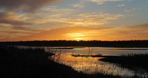 Ηλιοβασίλεμα πέρα από το νησί Hailuoto Στοκ Εικόνες