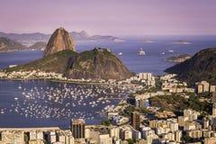 Ηλιοβασίλεμα πέρα από το Ρίο ντε Τζανέιρο Στοκ φωτογραφία με δικαίωμα ελεύθερης χρήσης