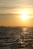 Ηλιοβασίλεμα πέρα από το Ρίο de Λα Plata Στοκ Εικόνες