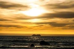 Ηλιοβασίλεμα πέρα από το στενό του μάγειρα Στοκ Φωτογραφίες