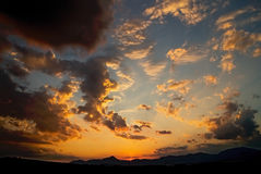 Ηλιοβασίλεμα πέρα από το φράγμα Liptovska Mara Στοκ Εικόνες