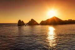 Ηλιοβασίλεμα πέρα από Cabo SAN Lucas Στοκ Εικόνες