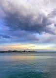 Ηλιοβασίλεμα πέρα από Yalta Στοκ φωτογραφία με δικαίωμα ελεύθερης χρήσης