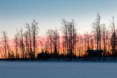 Ηλιοβασίλεμα πίσω από ένα ακρωτήριο Στοκ εικόνες με δικαίωμα ελεύθερης χρήσης