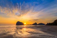 Ηλιοβασίλεμα πανοράματος της παραλίας Pak Meng, επαρχία Trang στη νότια Ταϊλάνδη Στοκ φωτογραφία με δικαίωμα ελεύθερης χρήσης