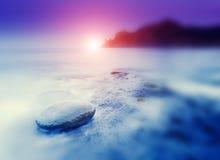 ηλιοβασίλεμα πετρών θάλα Στοκ Φωτογραφία