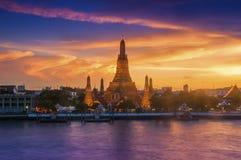 Ηλιοβασίλεμα ποταμών Arun Chao Phraya Wat Στοκ φωτογραφίες με δικαίωμα ελεύθερης χρήσης