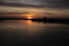 Ηλιοβασίλεμα ποταμών Dnieper στοκ φωτογραφίες