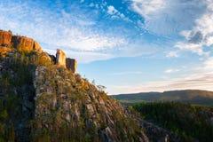 Ηλιοβασίλεμα πυράκτωσης απότομων βράχων Στοκ Φωτογραφίες