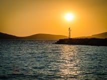 Ηλιοβασίλεμα σε ένα ελληνικό νησί Στοκ εικόνες με δικαίωμα ελεύθερης χρήσης
