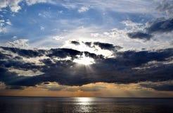 Ηλιοβασίλεμα σε μια θάλασσα Στοκ φωτογραφία με δικαίωμα ελεύθερης χρήσης