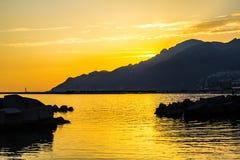 Ηλιοβασίλεμα σε Napoli Ιταλία στοκ εικόνα με δικαίωμα ελεύθερης χρήσης