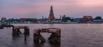 Ηλιοβασίλεμα σε Wat Arun, ναός της Dawn, Μπανγκόκ, Ταϊλάνδη Στοκ φωτογραφία με δικαίωμα ελεύθερης χρήσης