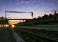 ηλιοβασίλεμα σιδηροδρ& Στοκ Εικόνα