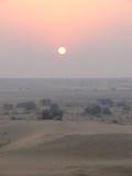 Ηλιοβασίλεμα στην έρημο σε Jaisalmer Στοκ Εικόνες