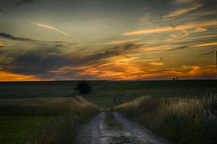 Ηλιοβασίλεμα στην αγροτική Γαλλία Στοκ εικόνες με δικαίωμα ελεύθερης χρήσης