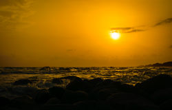 Ηλιοβασίλεμα στην ακτή της Ταϊλάνδης Στοκ εικόνες με δικαίωμα ελεύθερης χρήσης