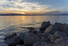 Ηλιοβασίλεμα στην αδριατική ακτή Κροατία Στοκ Φωτογραφίες