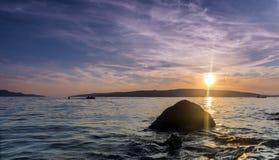 Ηλιοβασίλεμα στην αδριατική ακτή Κροατία Στοκ εικόνα με δικαίωμα ελεύθερης χρήσης