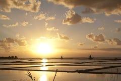 Ηλιοβασίλεμα στην αλυκή octies Στοκ Εικόνες