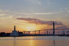 Ηλιοβασίλεμα στην οδό ποταμών Στοκ εικόνες με δικαίωμα ελεύθερης χρήσης