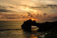 Ηλιοβασίλεμα στην παραλία μερών Tanah, Μπαλί, Ινδονησία Στοκ φωτογραφία με δικαίωμα ελεύθερης χρήσης