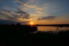 Ηλιοβασίλεμα στην παραλία με τον όμορφο ουρανό Στοκ εικόνες με δικαίωμα ελεύθερης χρήσης
