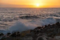Ηλιοβασίλεμα στην παραλία στο νότο Tenerife Στοκ Εικόνες