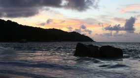Ηλιοβασίλεμα στην παραλία Anse Λάτσιο φιλμ μικρού μήκους