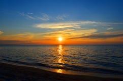 Ηλιοβασίλεμα στη λίμνη Baikal Στοκ Εικόνες
