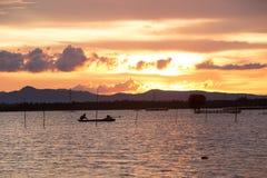 Ηλιοβασίλεμα στη λίμνη ThaLa στο Βιετνάμ Στοκ φωτογραφίες με δικαίωμα ελεύθερης χρήσης