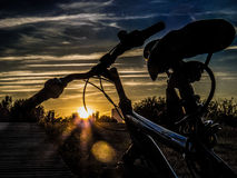 Ηλιοβασίλεμα στη γέφυρα Σαραγόσα EXPO Στοκ εικόνα με δικαίωμα ελεύθερης χρήσης