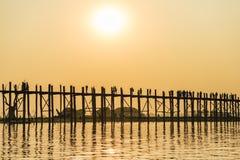 Ηλιοβασίλεμα στη γέφυρα Ubein Στοκ εικόνες με δικαίωμα ελεύθερης χρήσης