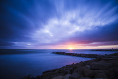 Ηλιοβασίλεμα στη θάλασσα στην Ιταλία Στοκ Εικόνα