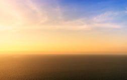 Ηλιοβασίλεμα στη θάλασσα τόσο bueatiful Στοκ Εικόνες