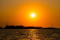 Ηλιοβασίλεμα στη λιμνοθάλασσα Cordoncillo, Λα Παζ, Ελ Σαλβαδόρ Στοκ Εικόνες