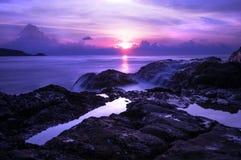 Ηλιοβασίλεμα στον απότομο βράχο Patong Στοκ εικόνες με δικαίωμα ελεύθερης χρήσης