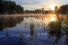 Ηλιοβασίλεμα στον ποταμό Στοκ εικόνα με δικαίωμα ελεύθερης χρήσης