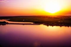 Ηλιοβασίλεμα στον ποταμό Oka Στοκ φωτογραφία με δικαίωμα ελεύθερης χρήσης