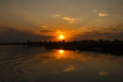 Ηλιοβασίλεμα στον ποταμό Okavango, Ναμίμπια Στοκ φωτογραφίες με δικαίωμα ελεύθερης χρήσης