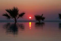 Ηλιοβασίλεμα στον τροπικό παράδεισο Στοκ Φωτογραφίες