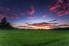 Ηλιοβασίλεμα στο αγρόκτημα Στοκ εικόνες με δικαίωμα ελεύθερης χρήσης