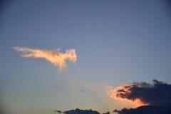 Ηλιοβασίλεμα στο βράδυ Στοκ φωτογραφία με δικαίωμα ελεύθερης χρήσης