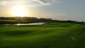 Ηλιοβασίλεμα στο γήπεδο του γκολφ σε Antalya Στοκ Φωτογραφία