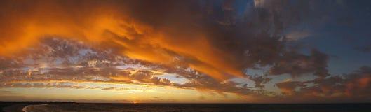 Ηλιοβασίλεμα στο εθνικό πάρκο σειράς ακρωτηρίων, δυτική Αυστραλία Στοκ εικόνες με δικαίωμα ελεύθερης χρήσης