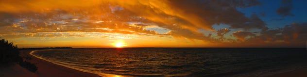 Ηλιοβασίλεμα στο εθνικό πάρκο σειράς ακρωτηρίων, δυτική Αυστραλία Στοκ εικόνα με δικαίωμα ελεύθερης χρήσης