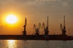 Ηλιοβασίλεμα στο θαλάσσιο λιμένα Στοκ φωτογραφία με δικαίωμα ελεύθερης χρήσης
