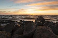 Ηλιοβασίλεμα στο λιμενοβραχίονα Στοκ εικόνες με δικαίωμα ελεύθερης χρήσης