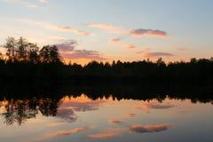 Ηλιοβασίλεμα στο μετεωρίτη λιμνών Στοκ εικόνες με δικαίωμα ελεύθερης χρήσης
